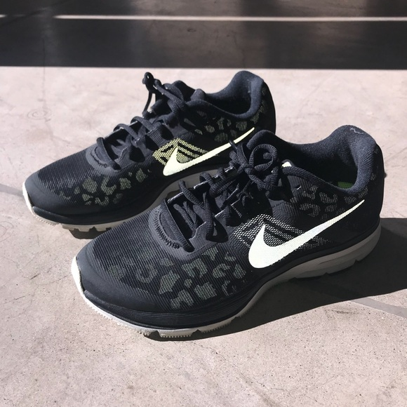 Cheetah print Nike Pegasus 30 women s size 9.5. M 5ad54fec84b5ce7421fe49bf aa1edace8a7f